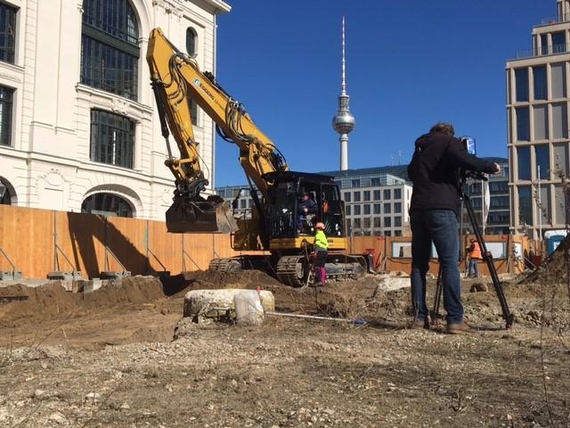 Auf dem ehemaligen Kirchhof im Zentrum Berlins sind noch einige unerforschte Gräberfunde zu erwarten.