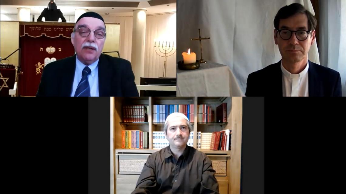 Rabbiner Andreas Nachama, Imam Kadir Sanci und Gregor Hohberg beten gemeinsam für Frieden in Nahost