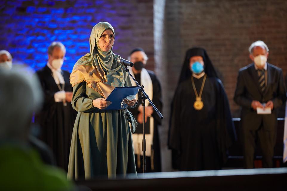 Iman Andrea Reimann House of One Friedensgebet 11. September 9/11 peace prayer