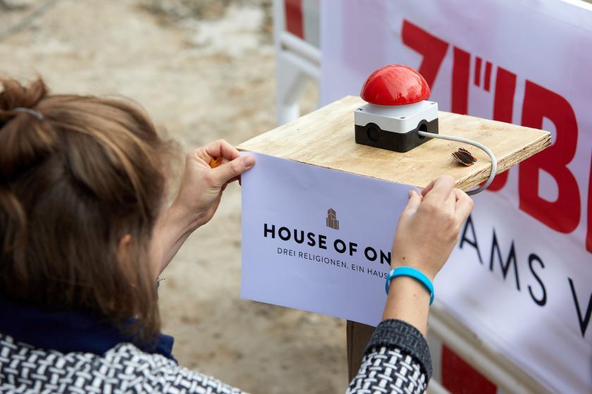 Startschuss Bauarbeiten House of One Baustelle